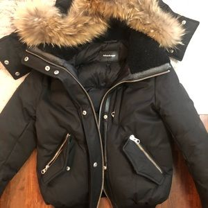 💯 Authentic Mackage black w/ real fir trim jacket